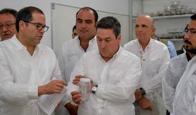 El secretario de Agricultura y el gobernador de Colima, en su visita por instalaciones del Centro Nacional de Referencia de Control Biológico del  Servicio Nacional de Sanidad, Inocuidad y Calidad Agroalimentaria