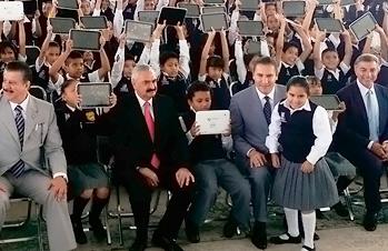 Maestros y padres de familia, pilares de la Reforma Educativa: Rojas Dávila