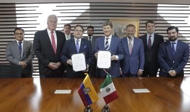 El secretario de Turismo, Enrique de la Madrid, y el Ministro de Turismo de Ecuador, Enrique Ponce De León, en la firma del Convenio de Cooperación en Materia Turística.