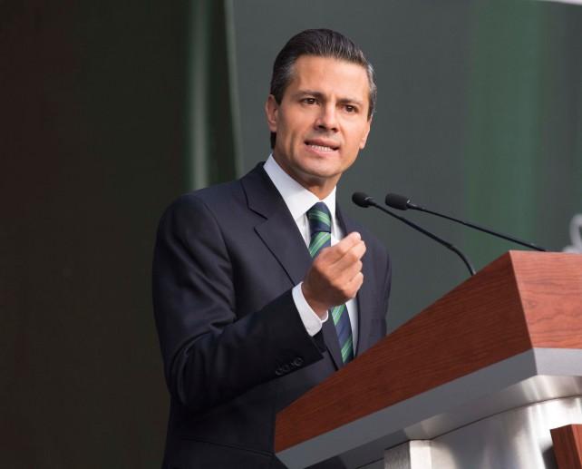 El Primer Mandatario reiteró su compromiso de continuar encabezando los esfuerzos para esclarecer los hechos ocurridos en Iguala.