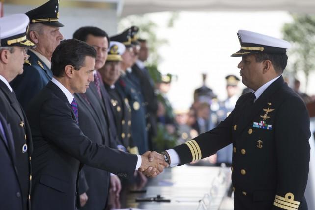"""La Armada """"es parte esencial del Gabinete de Seguridad del Gobierno de la República que sirve a todos los mexicanos""""."""
