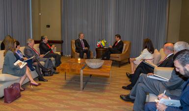 El Primer Mandatario reiteró la plena disposición de México de trabajar para continuar fortaleciendo una de las relaciones bilaterales más robustas y cercanas que tiene nuestro país.