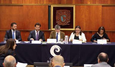 Vista general de presídium durante instalación de Comité científico ante la arribazón anormal del sargazo en el Caribe mexicano.