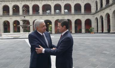 El Presidente Peña Nieto acordó apoyar al gobierno entrante para que las iniciativas que darían origen a la Secretaría de Seguridad Pública y a la integración de la Fiscalía General puedan ser discutidas por la LXIV Legislatura.