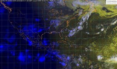 Imagen satelital con filtros de vapor sobre el territorio mexicano.