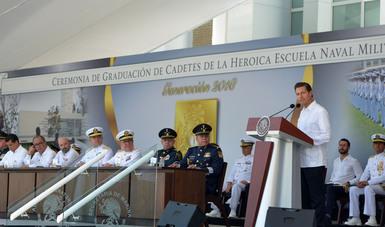 Encabezó la ceremonia de Graduación de Cadetes de la Heroica Escuela Naval Militar, Generación 2018.