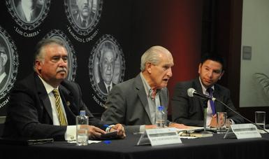 Evocan a Salvador Azuela y Francisco L. Urquizo, fundadores del INEHRM