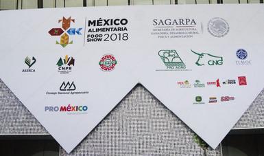 Logo de la México Alimentaria y sus participantes en la entrada.