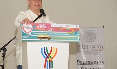 Inauguró la Feria de Regreso a Clases 2018 en Mérida, Yucatán, acompañado por Michel Salum Francis, presidente de la Cámara Nacional de Comercio, Servicios y Turismo de Mérida y autoridades estatales.