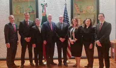 El Gobernador de Nebraska realiza una visita a México