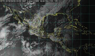 Foto satelital de la república mexicana, donde se muestran los conjuntos de nubes sobre el territorio nacional. Logotipo de Conagua