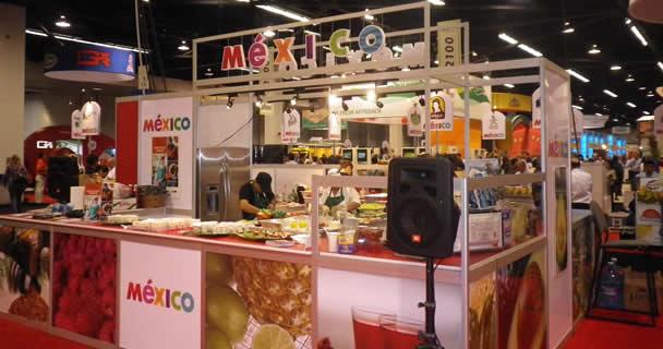 Exhibirán productos como mole, mezcal, tequila, chiles, pollo, guajolote, maíz, nopal, frijol, chocolate, pulque, amaranto, miel entre otros