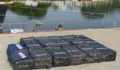 Durante operación naval, SEMAR asegura 520 kilogramos de presunta cocaína frente a costas de Chiapas