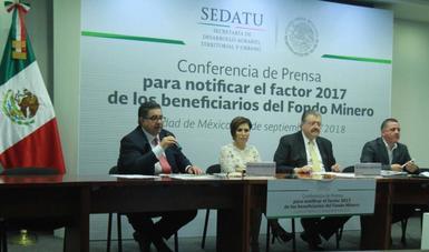 Presidium de conferencia de prensa