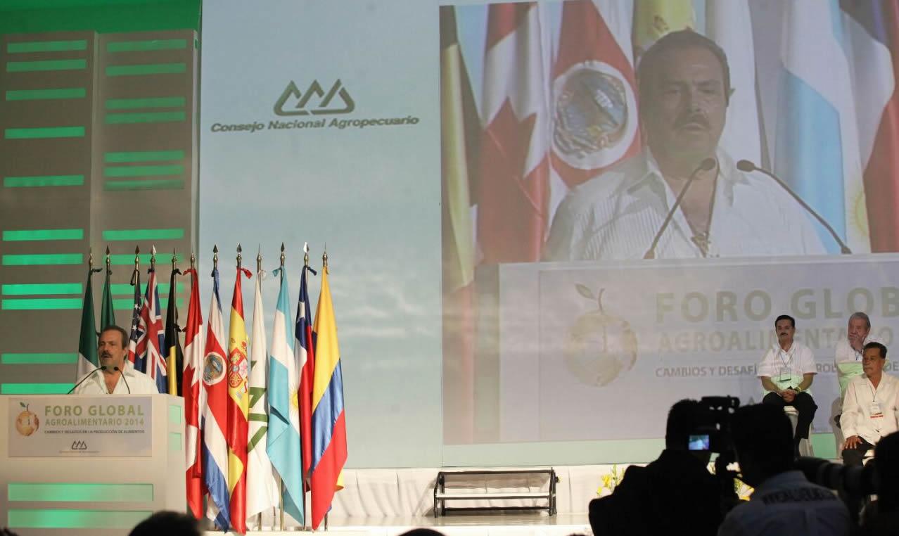 La SAGARPA, Enrique Martínez y Martínez, inauguró el Foro Global Agroalimentario 2014.