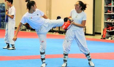 Las seleccionadas de taekwondo continúan con su preparación en el CNAR