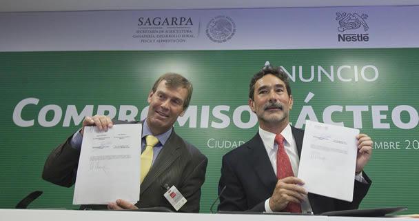 Firman convenio de colaboración la SAGARPA y Grupo Nestlé para el acompañamiento con programas de fomento ganadero.