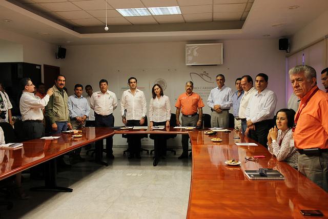 Certifican empresas en Michoacán.