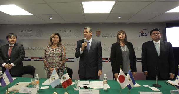Los participantes conocerán la ejecución de un modelo nacional piloto, derivado de los aprendizajes de la cooperación japonesa en México en materia de desarrollo rural: el coordinador general de Asuntos Internacionales de la SAGARPA, Raúl Urteaga Trani.