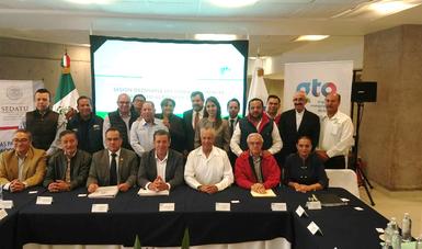 Con el gobernador de Guanajuato, el subsecretario Gustavo Cárdenas y beneficiaros se tomaron la todo conmemorativa