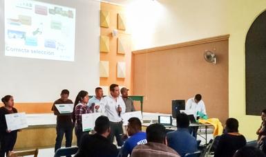 Representantes de las Unidades de Producción certificadas en Buen Uso y Manejo de Agroquímicos