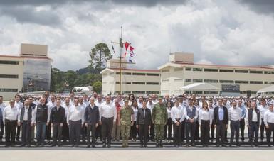 """Alfredo del Mazo Maza, agradeció al Presidente Peña Nieto por la decisión de """"construir en el Estado de México este Centro de Entrenamiento Avanzado de la Armada de México""""."""