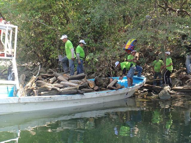 Recolección de residuos en el Cañón Sumidero.