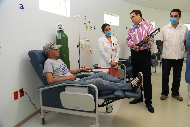 La SSdel Gobierno de la República otorgó al Instituto Estatal de Cancerología de la Secretaría de Salud y Bienestar Social del Gobierno del Estado las acreditaciones al servicio de alta especialidad en los cánceres para menores de 18 años.