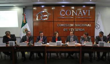 Asistieron el subsecretario de Desarrollo Urbano y Vivienda, César Castellanos Galdámez; el director general de la Comisión Nacional de Vivienda, Jorge Wolpert Kuri; el director general de la Sociedad Hipotecaria Federal