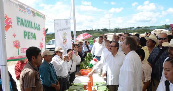El gobernador Toranzo Fernández reconoció el esfuerzo del Gobierno de la República por llevar a cabo el PESA en el estado, el cual ha brindado mejores condiciones de vida para los habitantes de zonas rurales marginadas.