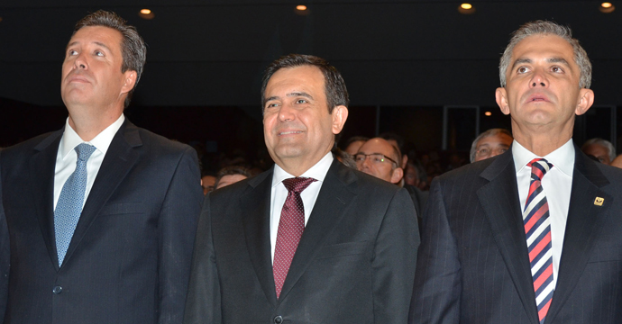 Asiste el Secretario de Economía al Primer Informe de Gobierno de Miguel Márquez