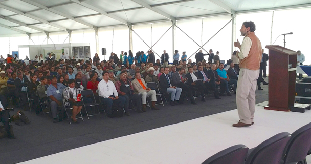 En conferencia magistral, ante más de 500 estudiantes de extensionismo, productores y académicos, Gurría Treviño recordó que actualmente México se encuentra a la cabeza en el sector caprinocultor a nivel Latinoamérica.