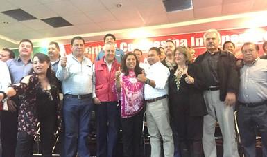 Con integrantes del CCI el subsecretario Cárdenas Monroy se tomó la fotografía conmemorativa