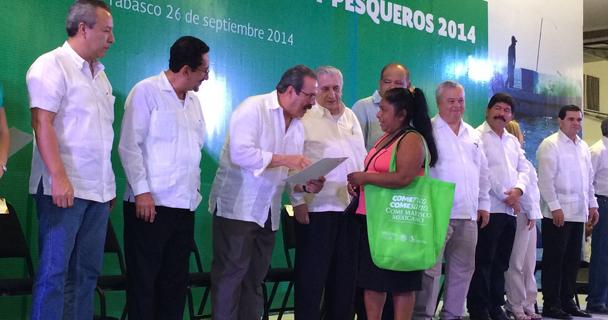 """Inauguraron en el municipio de Jalapa la granja acuícola """"San Vicente"""", que fue instalada con recursos en concurrencia y cuenta con potencial para producir alrededor de mil toneladas de tilapia al año."""