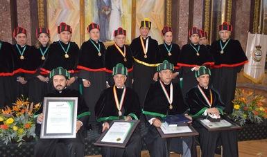 El Rector de la Universidad Naval recibe doctorado Honoris Causa, otorgado por la Universidad de España y México