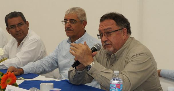 El presidente de la Unión Nacional de Avicultores (UNA), Jorge García de la Cadena Romero, reiteró el compromiso de los productores de Puebla con la sanidad.