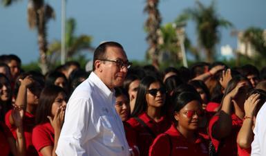 La educación, ruta cierta de superación y cambio social: Enrique Torres.