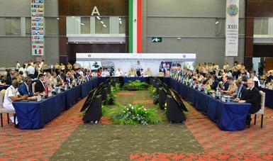 Titulares de Defensa y Marina sostienen reuniones bilaterales y firman acuerdos