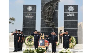 La Policía Federal despidió con los más altos honores al oficial con 17 años de servicio, quien antepuso su vida para proteger a su compañero, luego de sufrir una agresión en el municipio de Tala, Jalisco.