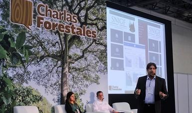 Francisco Moreno Rodríguez, Gerente de Información Forestal de la CONAFOR en la presentación del Sistema en Expo Forestal.