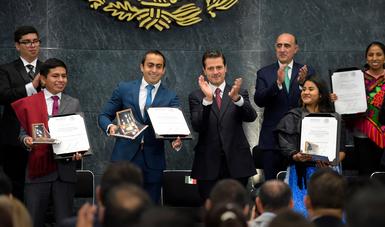 """""""El Gobierno de la República, sin duda, ha dedicado esfuerzos a apoyar la creatividad y las iniciativas de la juventud mexicana"""": EPN"""