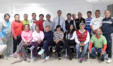 Especialistas en cultura física del Inapam trabajaron en la elaboración de los estándares de competencia que se utilizarán en la certificación de competencias laborales.