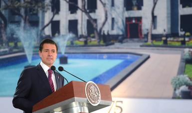 """""""En esta Administración pusimos un énfasis especial en el desarrollo social, y de manera particular en la atención de la salud"""": EPN"""