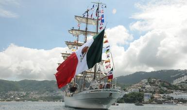"""Con vientos a favor arriba el Buque  Escuela Velero """"Cuauhtémoc"""", al Puerto de Acapulco, Guerrero"""