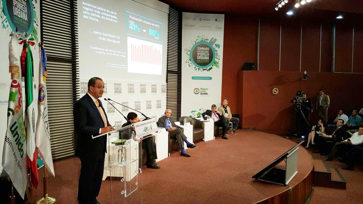 En la foto, el subsecretario de Desarrollo Urbano y Vivienda de la SEDATU, Alejandro Nieto Enríquez, al presentar el nuevo Modelo de Intervención Sociourbana, en la ciudad de Monterrey, Nuevo León.