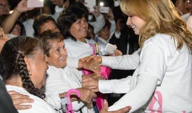 La esposa del presidente Enrique Peña Nieto, reconoció la fortaleza de todas las mujeres que han sobrevivido al cáncer de mama