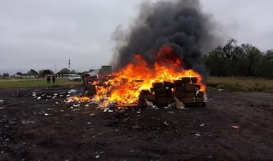 Incinera PGR más de dos toneladas de narcóticos en tres ciudades de Tamaulipas.