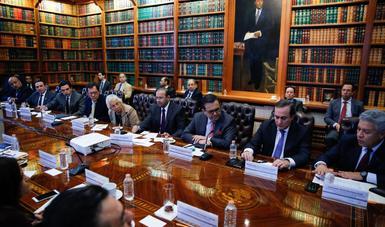 Reunión en la Secretaría de Gobernación para analizar acciones en beneficio de la caravana migrante