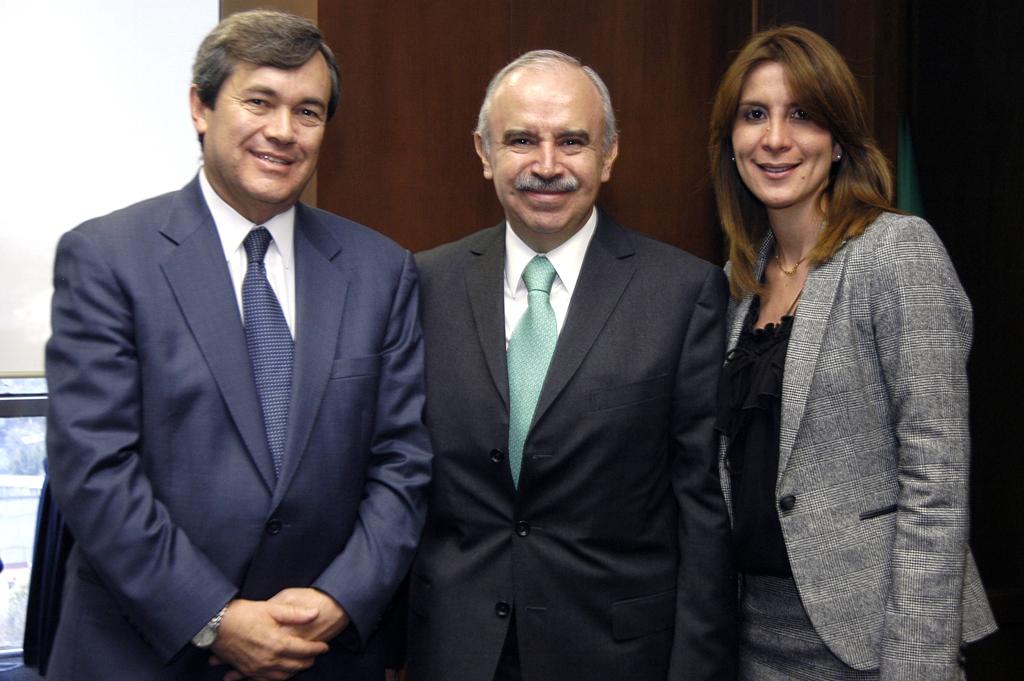 José Luis López Díaz Barriga, Julián Olivas Ugalde y Soraya Pérez Munguía.