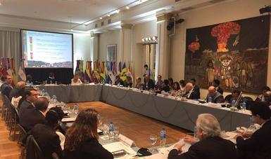 La secretaria Rosario Robles señaló que México desempeñó un papel activo en los trabajos previos a Hábitat III, y después en la conformación de la Nueva Agenda Urbana, que se aprobó en Quito, Ecuador, en la que nuestro país impulsó como eje fundamental